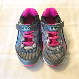 Fila ⚜️ Girls Velcro Strap Tennis Shoes